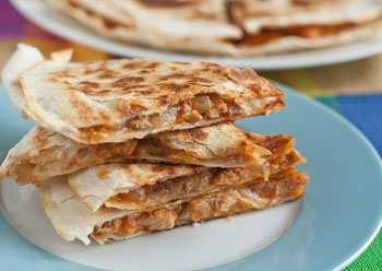 Мексиканская сырная лепешка