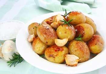 Ароматный молодой картофель