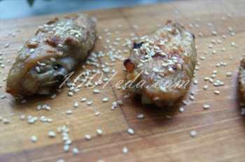 Чесночные куриные крылышки с кунжутом: рецепт с пошаговым фото