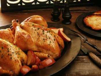 Цыпленок на вертеле с разными начинками