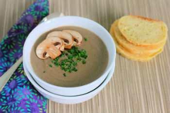 Грибной суп из шампиньонов и курицы