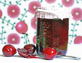 Густое варенье из вишни