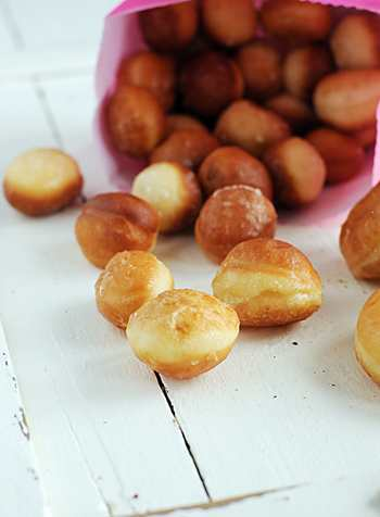 Пончики с творогом и сгущенкой в духовке