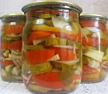 Салат «Ассорти» из огурцов и помидоров на зиму