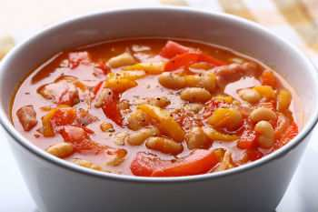 Салат из фасоли с овощами на зиму