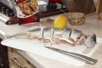 Скумбрия, запеченная в духовке: рецепт с пошаговым фото