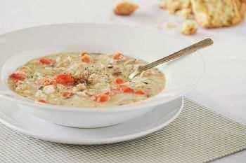 Сливочный суп с курятиной и диким рисом