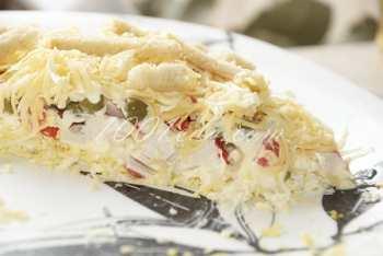 Слоеный салат с крабовыми палочками и сухариками: рецепт с пошаговым фото