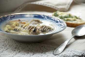 Суп с куриными шариками и зелеными тостами: рецепт с пошаговым фото