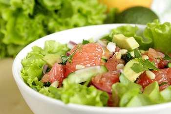 Диетический салат с тунцом