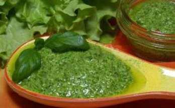 Соус из растительного масла и зелени