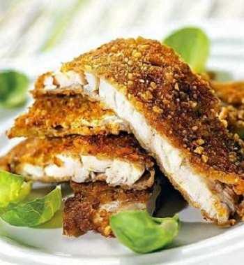 Рыба, жаренная в панировке из грецких орехов