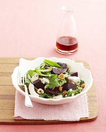 Свекольный салат с голубым сыром